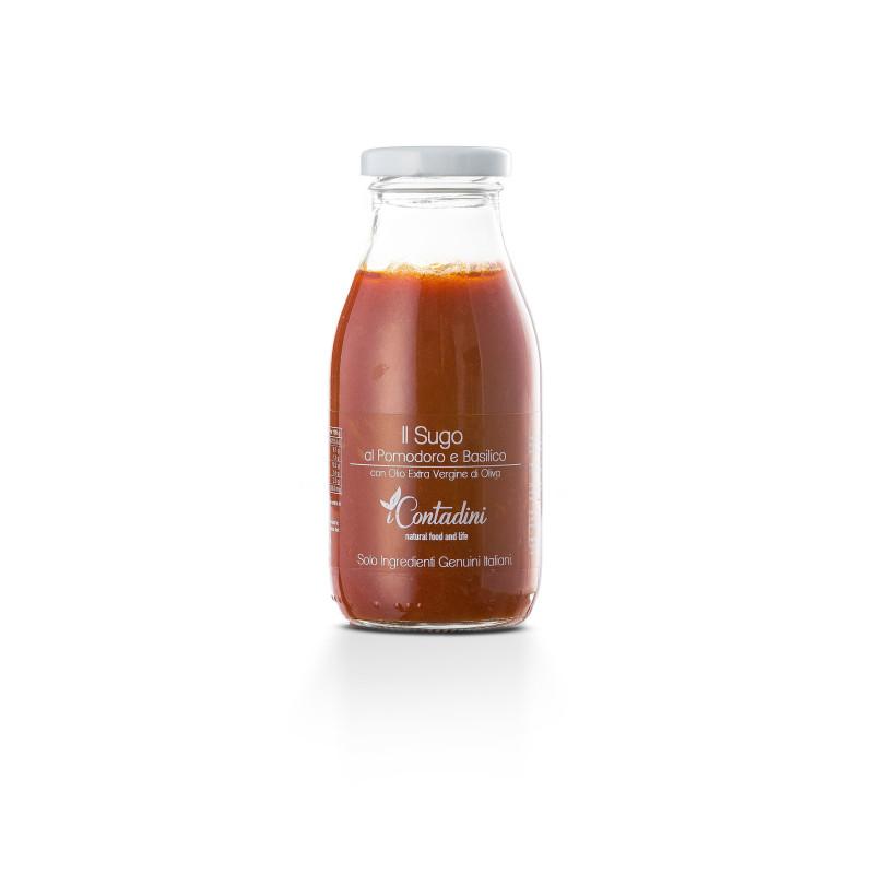 Gebrauchsfertige Tomatensoße mit Basilikum