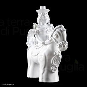 Cavaliere a cavallo in ceramica