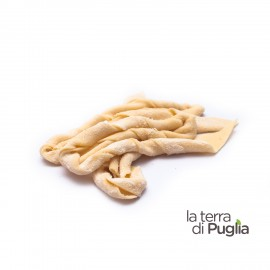 Handmade wheat flour twisted tagliatelle
